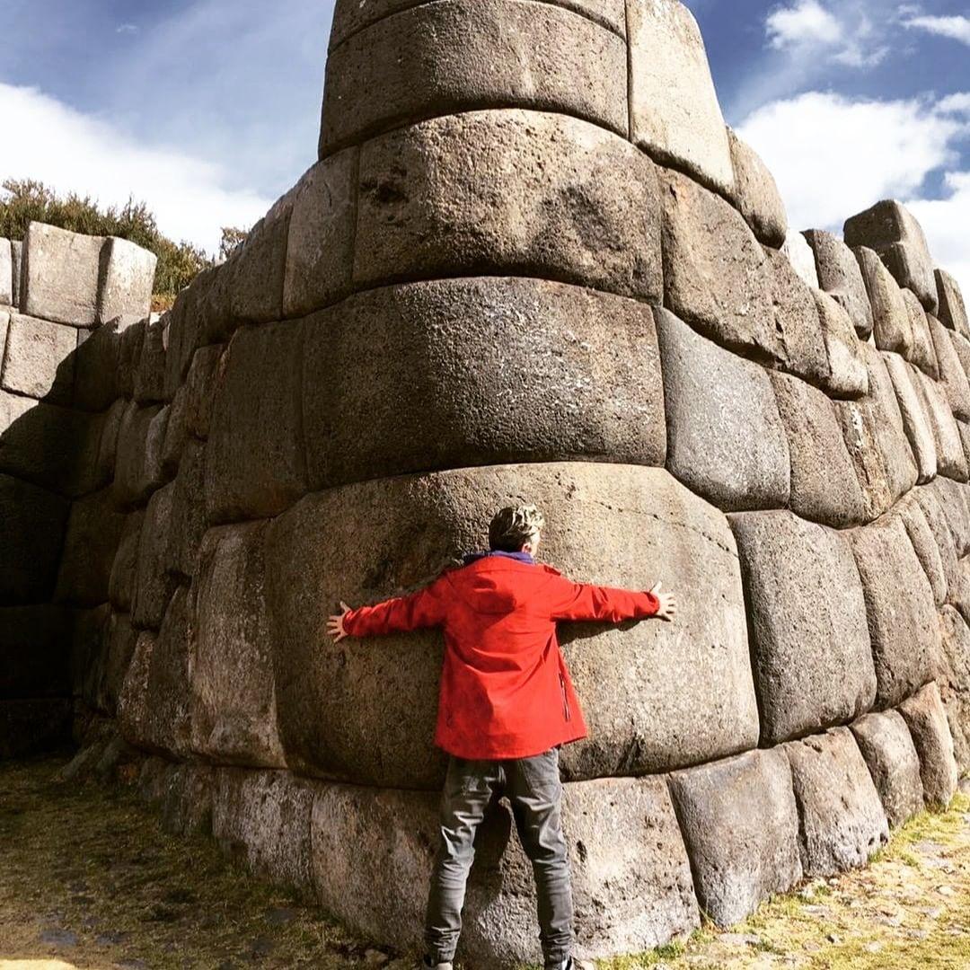 Tamaño de las piedras de Saqsayhuamán